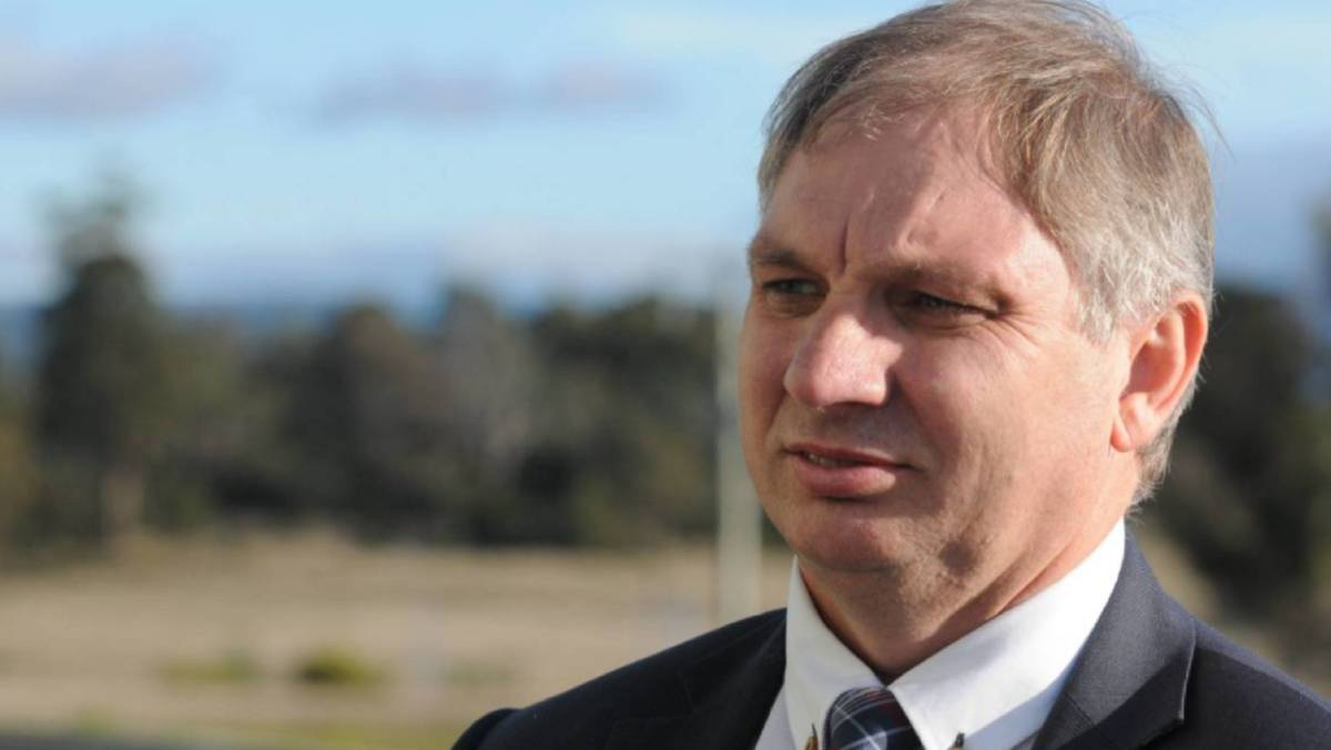 TasWater chief executive Mike Brewster has defended the company's alliance with construction firm CIMIC.